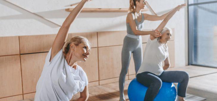 Conheça 4 benefícios da ginástica holística para a terceira idade